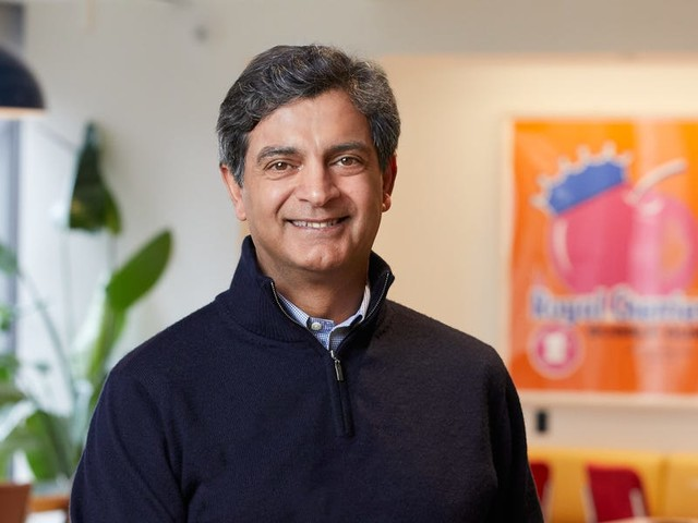 WeWork's new CEO is tasked with seeing through a massive turnaround — 6 of Sandeep Mathrani's former colleagues told us what to expect once the hands-on real estate exec takes the reins