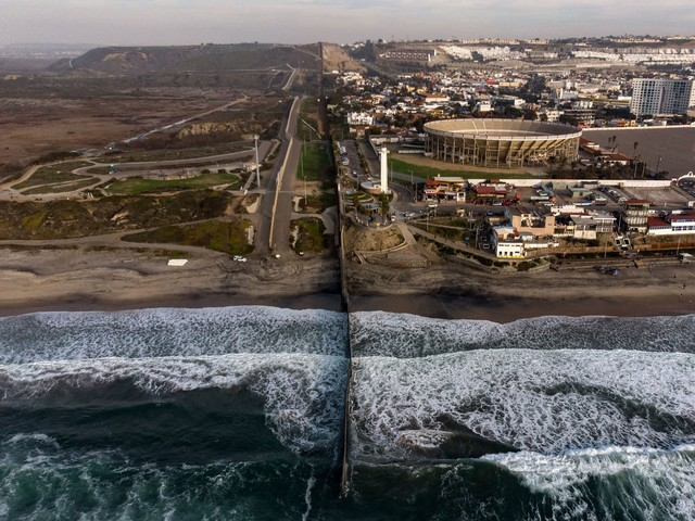 How the US-Mexico border looks now, amid partial government shutdown