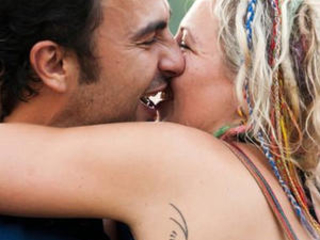Free-Spirited Singles Make Waves on New Hippies Dating Site