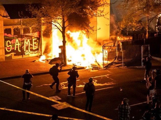 Poll shows more Americans want Black Lives Matter riots investigated than Jan. 6 Capitol riot — and it's not close