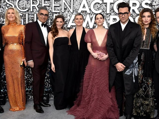 The Schitt's Creek Cast Hung Out at the SAG Awards, and I Love This Journey For Them