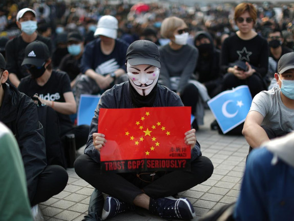 Hong Kong Riot Cops Clash With Protesters Following Rally For China's Oppressed Muslims