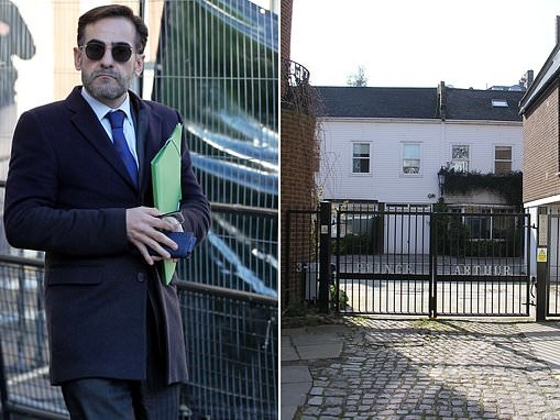 Lawyer sues letting agent after injuring head while climbing security gate at flat