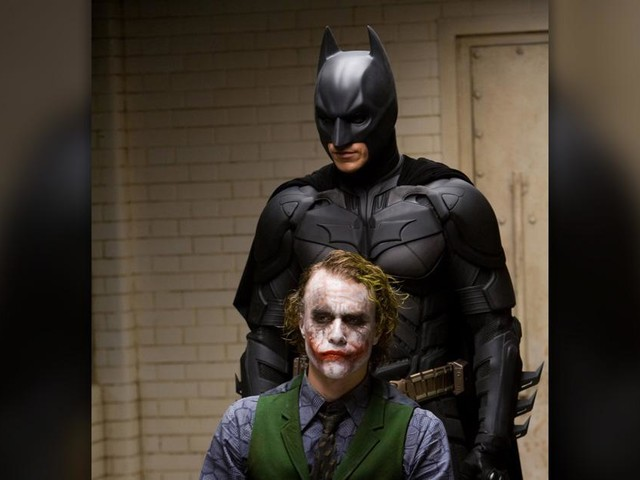 Heath Ledger begged to get hit by Christian Bale in 'Dark Knight'