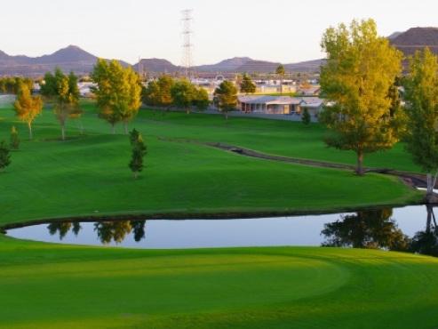 RV Golf Getaways: 7 of the Best RV-Friendly Resorts for Golfers