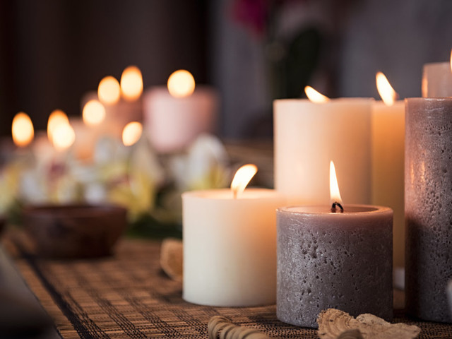 Which candle you should buy, based on your zodiac sign