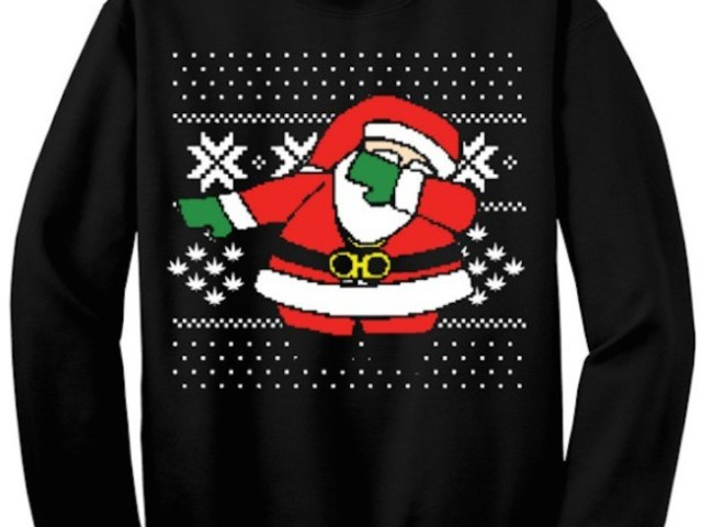 2 Chainz Calls Out Walmart For Stealing Dabbing Santa Christmas Sweater