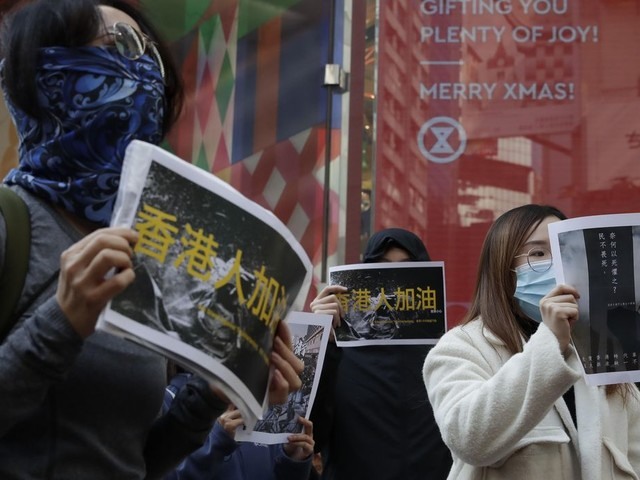 Experts quit police probe in blow to Hong Kong government