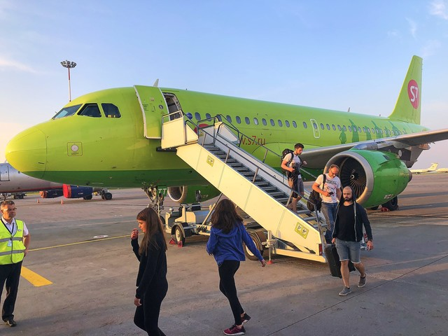 S7 Airlines Passengers Forced to Endure Cabin Temperatures of up to 122 Degrees