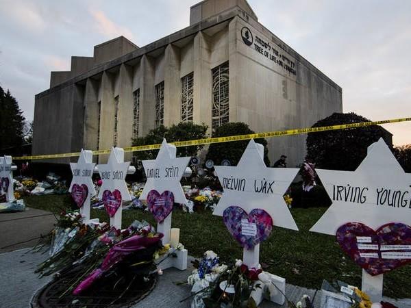 If We Love Jesus, We Will Love the Jews: Twelve Biblical Reasons Not to Be Anti-Semitic