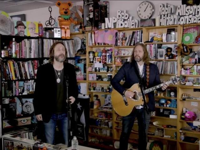 Look: Black Crowes perform acoustic set at Tiny Desk concert