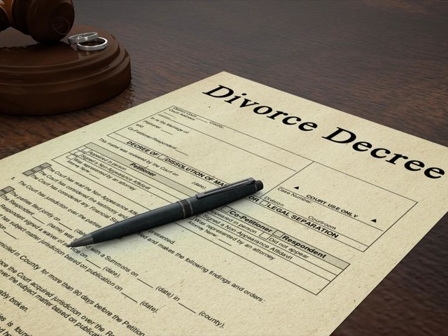 How Does Divorce Affect the Family?
