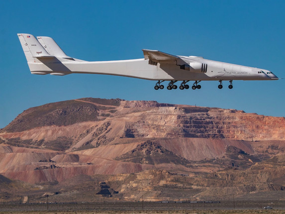 Watch:Stratolaunch, The World's Largest Airplane, Takes Flight