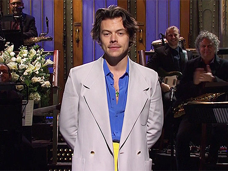 Harry Styles Shades Zayn Malik On 'SNL' & 1D Fans Are Divided Over Diss — 'Baby No'