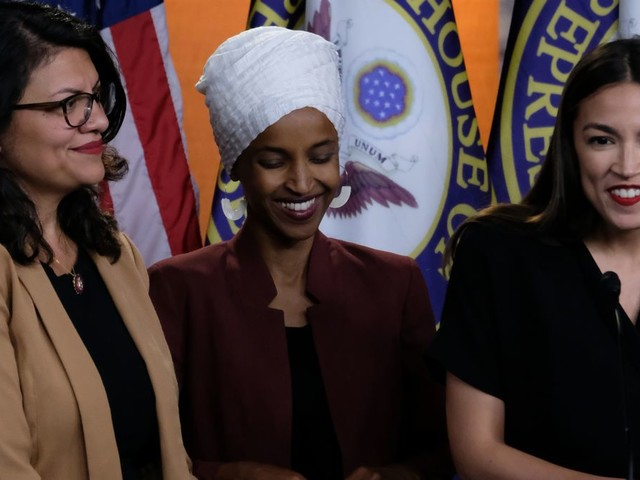 'Bernie's Back': Alexandria Ocasio-Cortez, Ilhan Omar and Rashida Tlaib Plan to Endorse Bernie Sanders