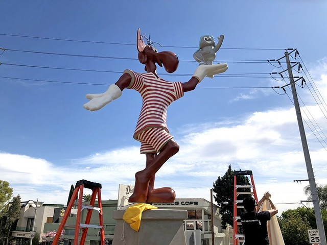 Rocky And Bullwinkle Statue Returns To Its Home On The Sunset Strip