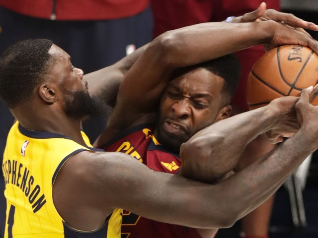 Headlock or jump ball? Explaining controversial Lance Stephenson-Jeff Green play