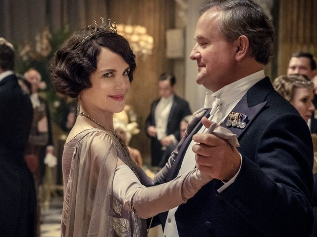 Peter Bart: 'Downton Abbey's Box Office Refutes Critics' Dismissal Of Feel-Good Fare