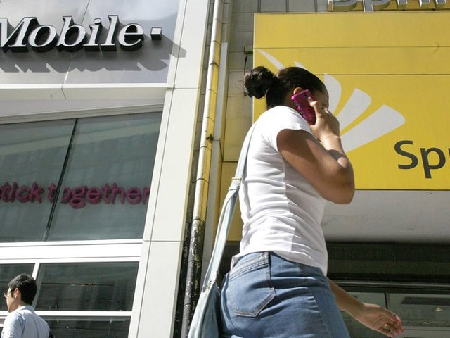 Report: T-Mobile and Sprint won't sell off assets ahead of merger expected this month