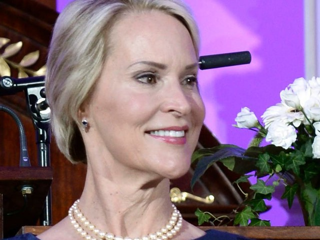 Google's parent company is adding Nobel-winning scientist Frances Arnold to its board, in Sundar Pichai's first big move as chief exec (GOOG, GOOGL)