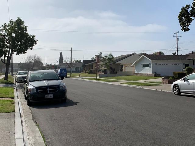 Suspected car burglar shot and killed by Anaheim homeowner