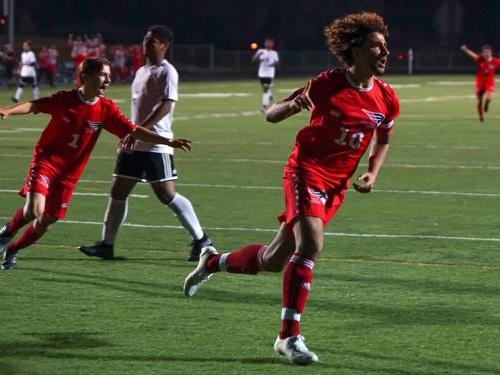St. Paul Central boys triumph over St. Paul Como Park to remain unbeaten