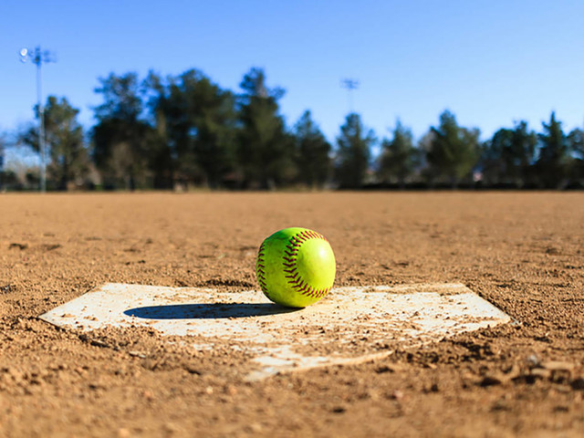 UNLV roundup: Softball team wins, gets to 6-0 for first time