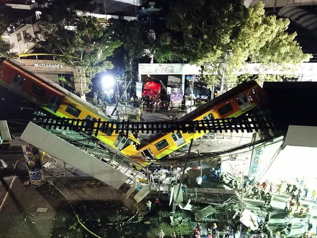 Video shows the moment a Mexico City subway overpass collapses, killing at least 23 people, injuring scores more