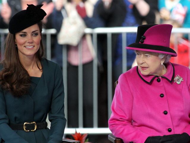 Kate Middleton Went DIY for the Queen's Christmas Gift Last Year
