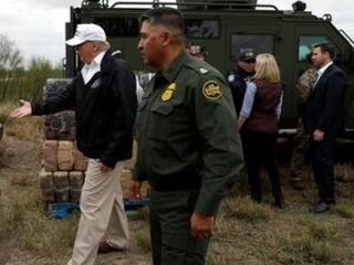 The Latest: Former FEMA boss says no emergency at border
