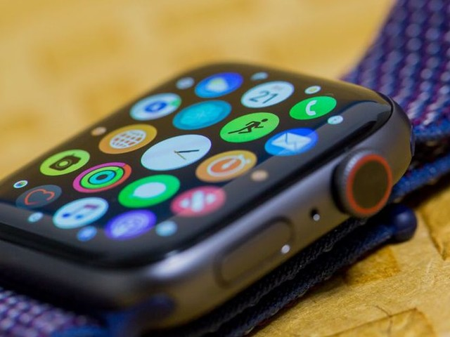 Roku thinks your remote needs a remote. Say hi to its new Apple Watch app.