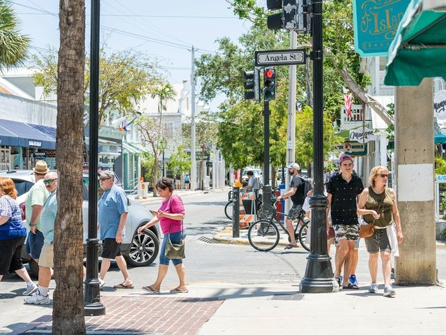20 Most Dangerous Cities in America for Pedestrians