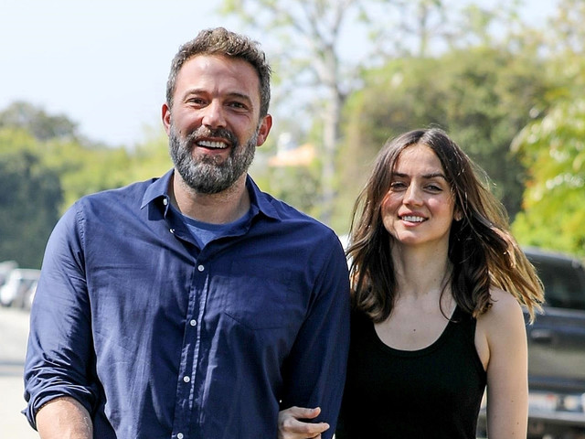 Ben Affleck & Ana de Armas Have Matching Heart Necklaces!