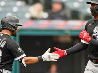 White Sox clinch AL Central with 7-2 win over Indians