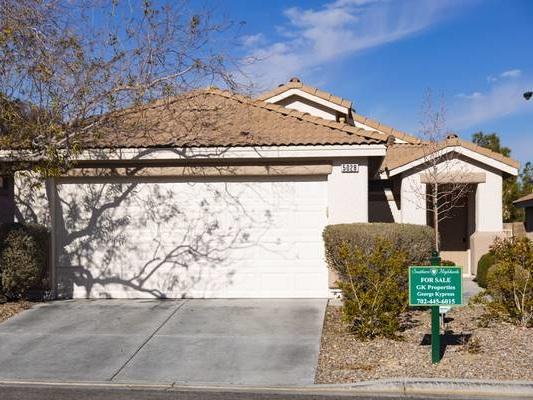 Las Vegas homes selling fast despite median price moving toward $400K