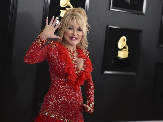 Dolly Parton's Brother Dies at 67