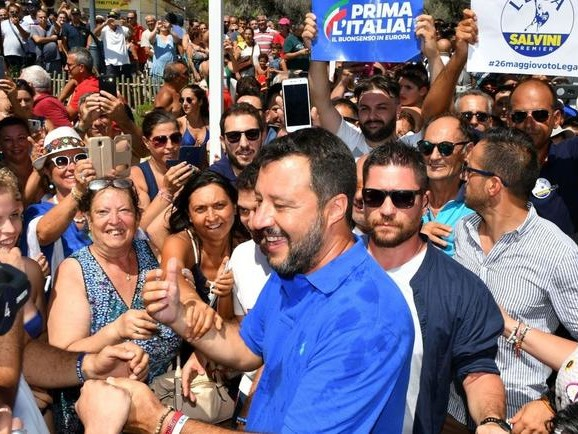 """Italy: Salvini Facing Show Trial For """"Kidnapping"""" Migrants"""