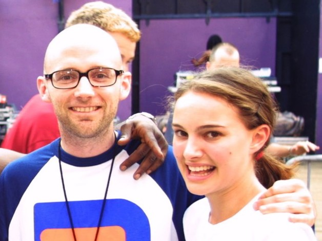 """Natalie Portman Denies Dating Moby, A """"Much Older Man Being Creepy"""""""