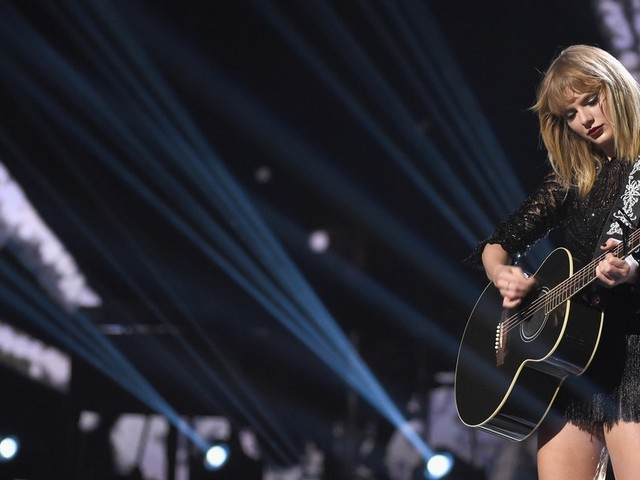How To Get Tickets To Taylor Swift's 'Reputation' Tour Before They Sell Out