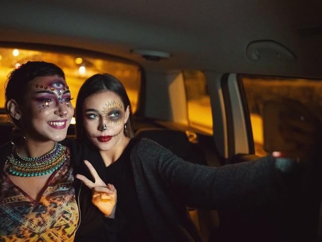 36 Instagram Captions For Halloween Drive-Thru Pics & Spooky Selfies