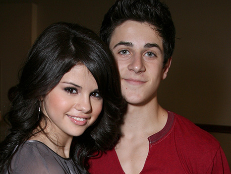 David Henrie Reveals He & Selena Gomez Talk About Rebooting 'Wizards Of Waverly Place'