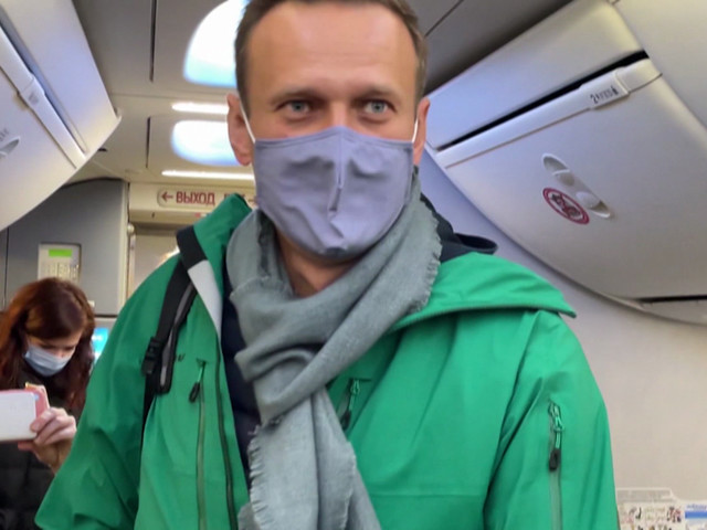 Navalny ally warns he is in dire health. Here's how he got here