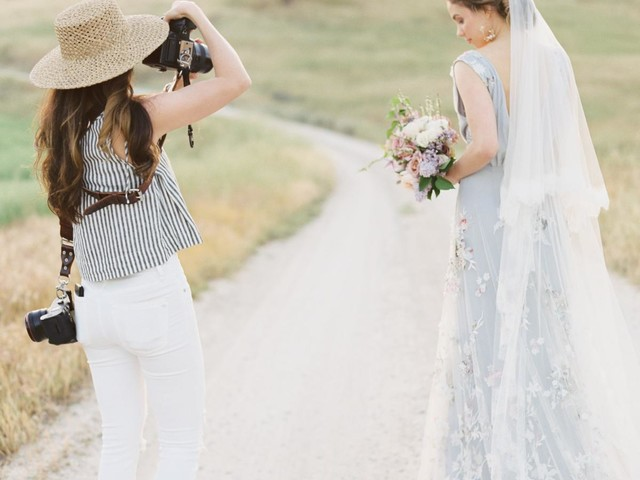 Here's What to Do When Your Wedding Vendors Aren't Getting Back To You