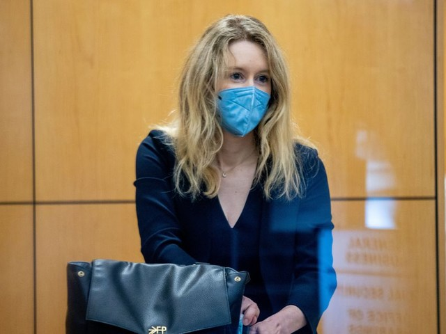 Listener Mail on the Rules of Journalism, Elizabeth Holmes's Trial, and an In-Season 'Hard Knocks'