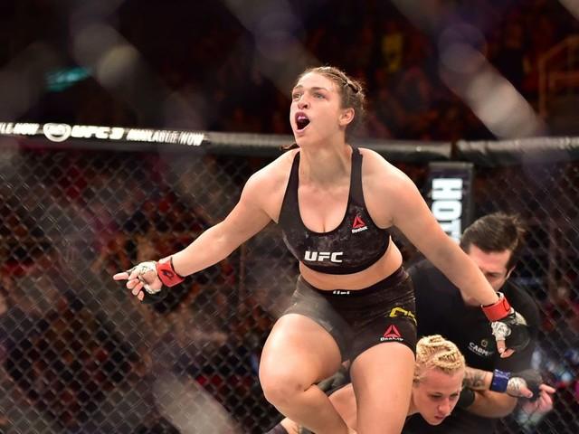 Mackenzie Dern vs. Ariane Carnelossi set for UFC Lincoln