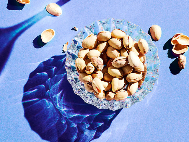 10 Benefits of Pistachios That Keep Us Full and Happy