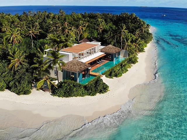 Raffles Maldives Meradhoo Opens 6-Bedroom Royal Residence