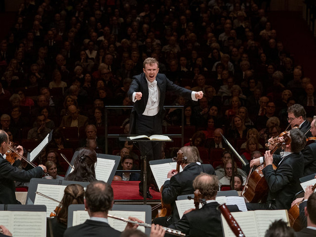 Review: A Road Test for Concertgebouw and Daniel Harding