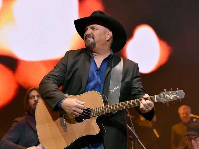 Garth Brooks could show up at your local dive bar this summer
