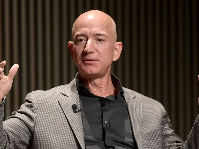 A Wall Street firm says Amazon is stepping up its efforts to win small advertisers with cheaper prices and help from sales reps